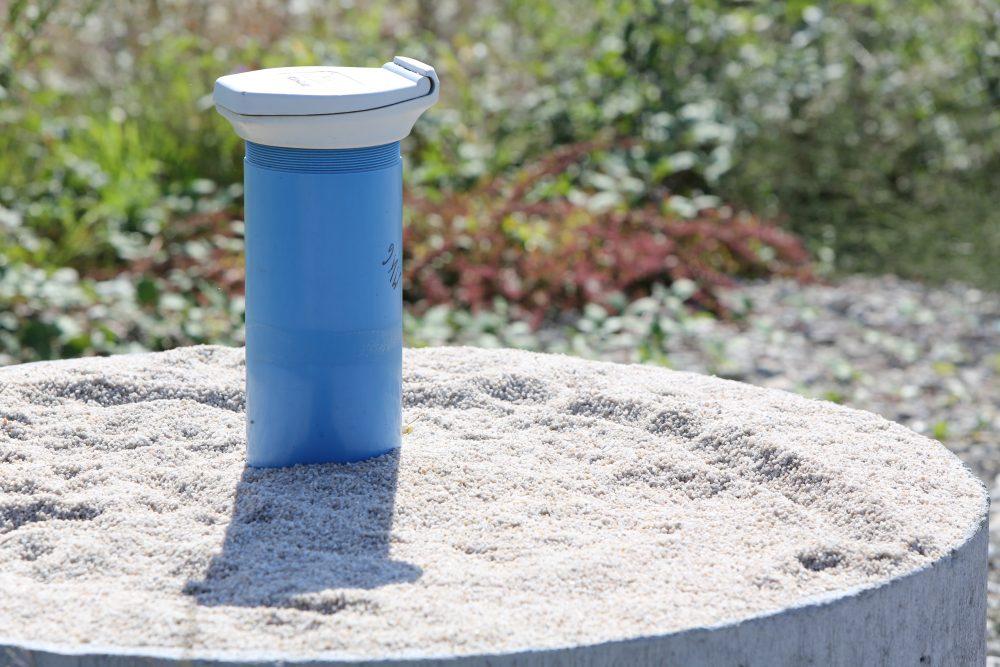 Detailansicht einer Grundwassermessstelle auf dem Perimeter 1 (Datum der Aufnahme: Spätsommer 2013), Quelle: Pressefoto Roche.
