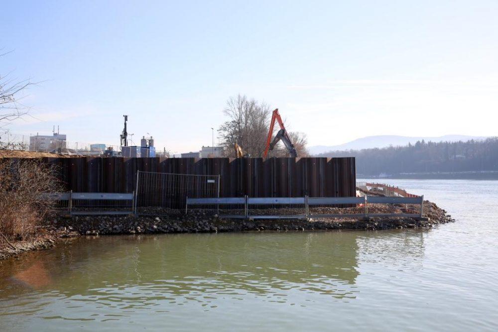Seitenblick auf den Schiffsanleger. (Aufnahmedatum: 26. Januar 2016); Quelle Pressefoto Roche