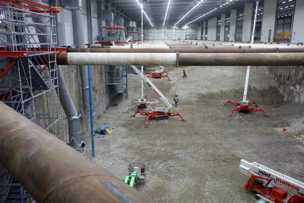 Das Halleninnere im Baufeld Süd und im Baufeld Mitte wurde im November 2019 gründlich gereinigt; Quelle: Pressefoto Roche.