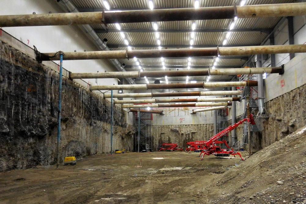 Die Wiederverfüllung des Baufelds Nord mit frischem Erdmaterial startet nach der vollständigen Reinigung in diesem Bereich; Quelle: Pressefoto Roche