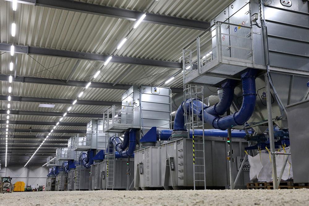 Die Montage der mehrstufigen Abluftreinigungsanlage im bereits sanierten Baufeld Nord konnte noch vor den Festtagen abgeschlossen werden; Quelle: Pressefoto Roche