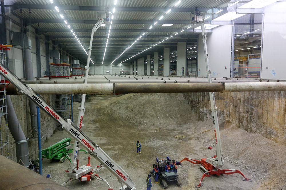 Das Halleninnere im Baufeld Süd und im Logistikbereich Baufeld Mitte werden derzeit gründlich gereinigt.  Quelle: Pressefoto Roche.